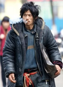 http://www.dailymail.co.uk/news/article-1295895/Rags-riches-movie-fame-homeless-man-Chinas-sexiest-tramp.html